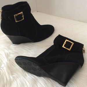 Tory Burch Leather suede wedge bootie buckle gold